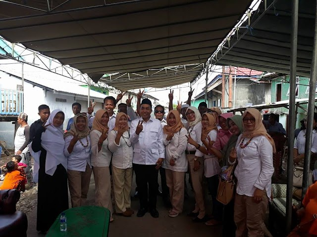 <b>Dialog Dengan Ribuan Masyarakat Pulau Bungin, Mori Janji Alokasikan Rp10 Milyar APBD Untuk Guru Ngaji</b>