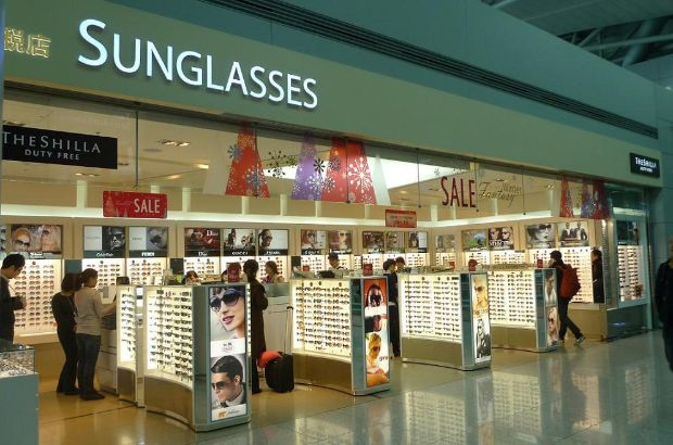 Comprar óculos escuros na loja Free Shop em Roma