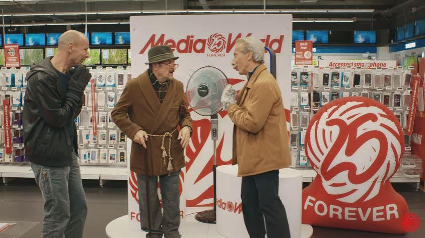 Aldo Giovanni e Giacomo pubblicità Media World le offerte che ti regalano il cinema con Foto