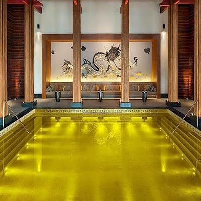 Hồ bơi năng lượng vàng