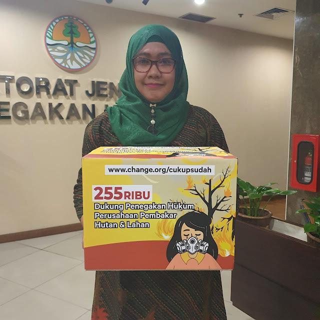 Datangi KLHK, Masyarakat Riau Desak Hukum Perusahaan Pembakar Hutan