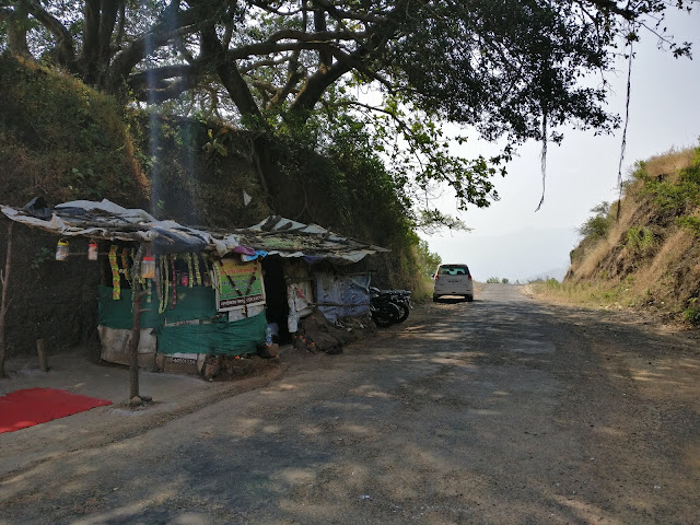 small shop at the top of pabe ghat