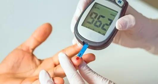 أجهزة قياس الكوليسترول في المنزل