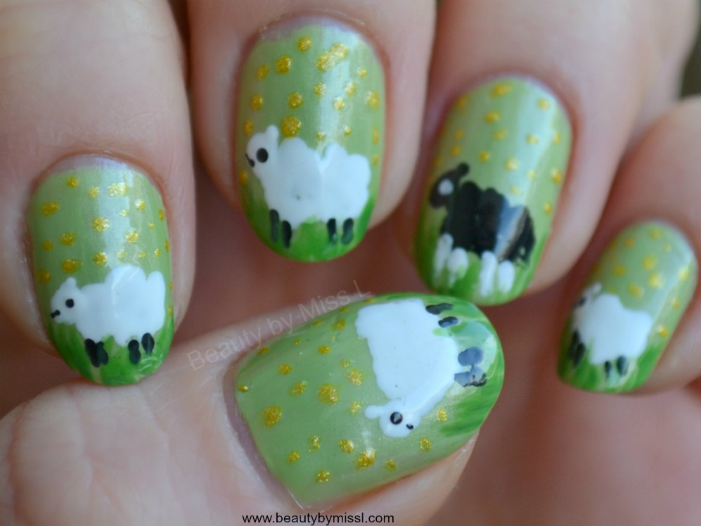 free hand sheep nail art