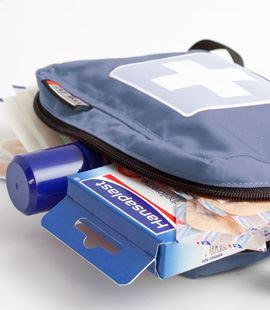 hansaplast plaster luka yang disiapkan di tas