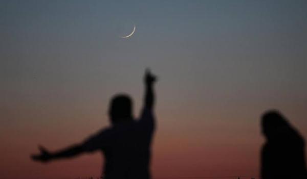 فلكي سعودي: هذا هو أول أيام عيد الفطر المبارك