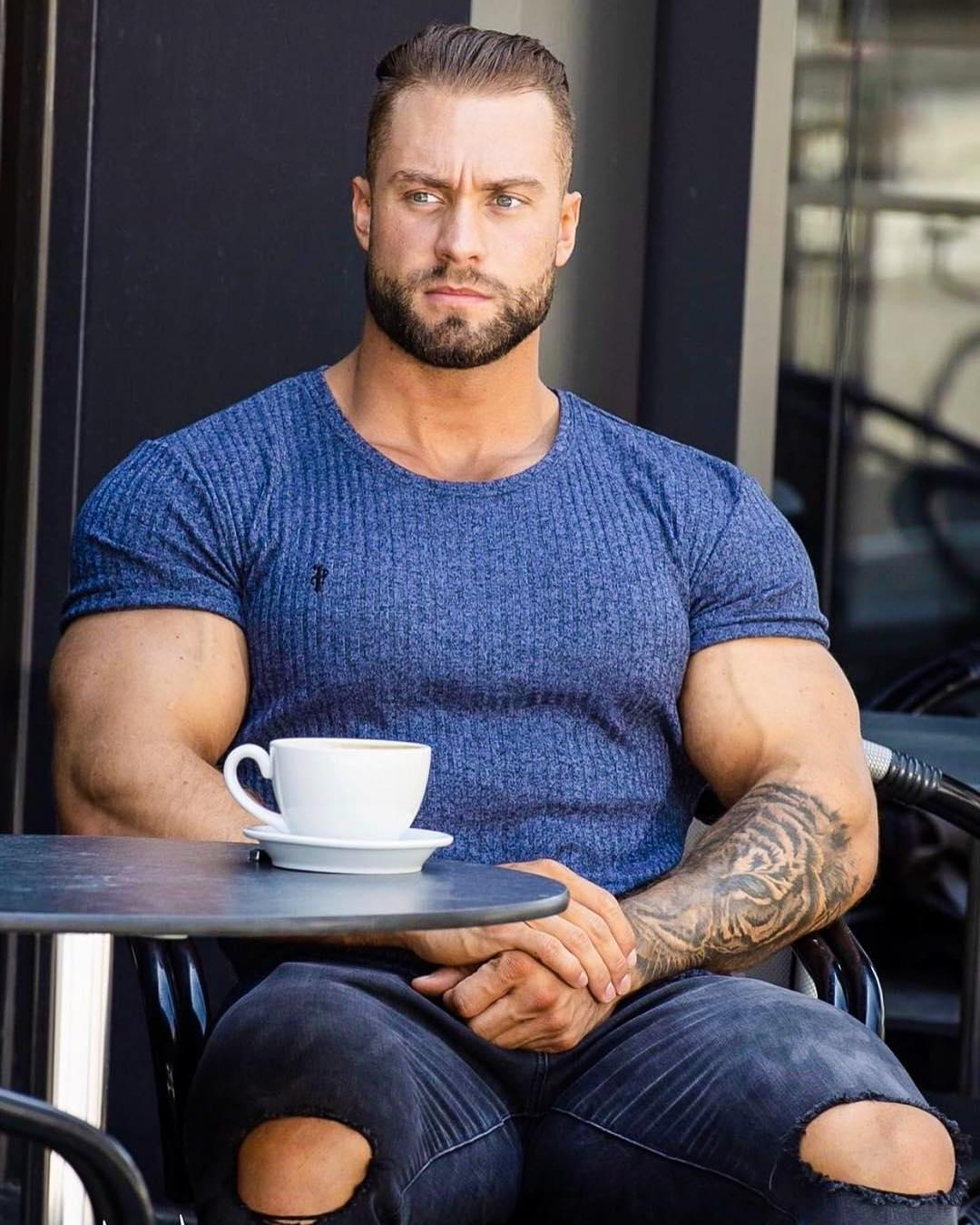 huge-beefy-dilf-muscle-biceps-daddy-gentleman-fashionista-sitting-caffe