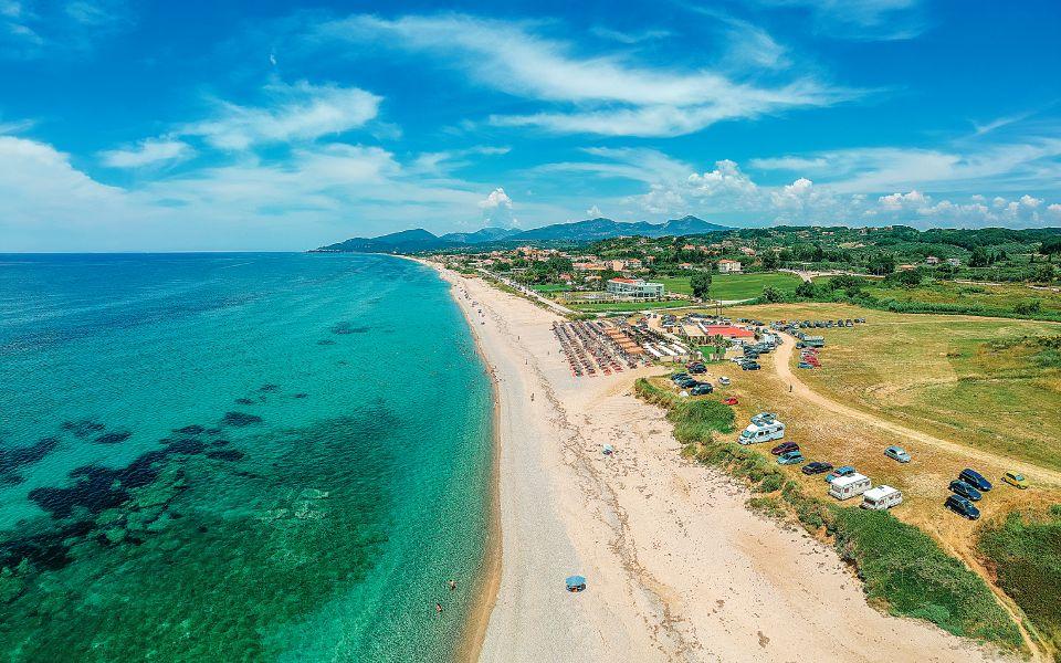 longest-beach-monolithi