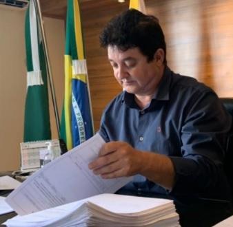 Farol deixará consórcio criado para compra de vacinas contra covid-19