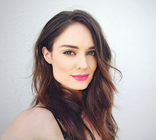 Picture of Simon's wife Mallory Jansen