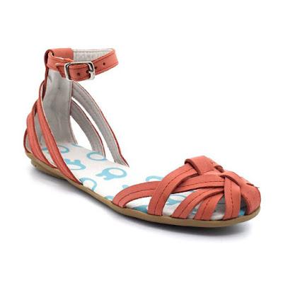 Sandalia nenas moda primavera verano 2018.