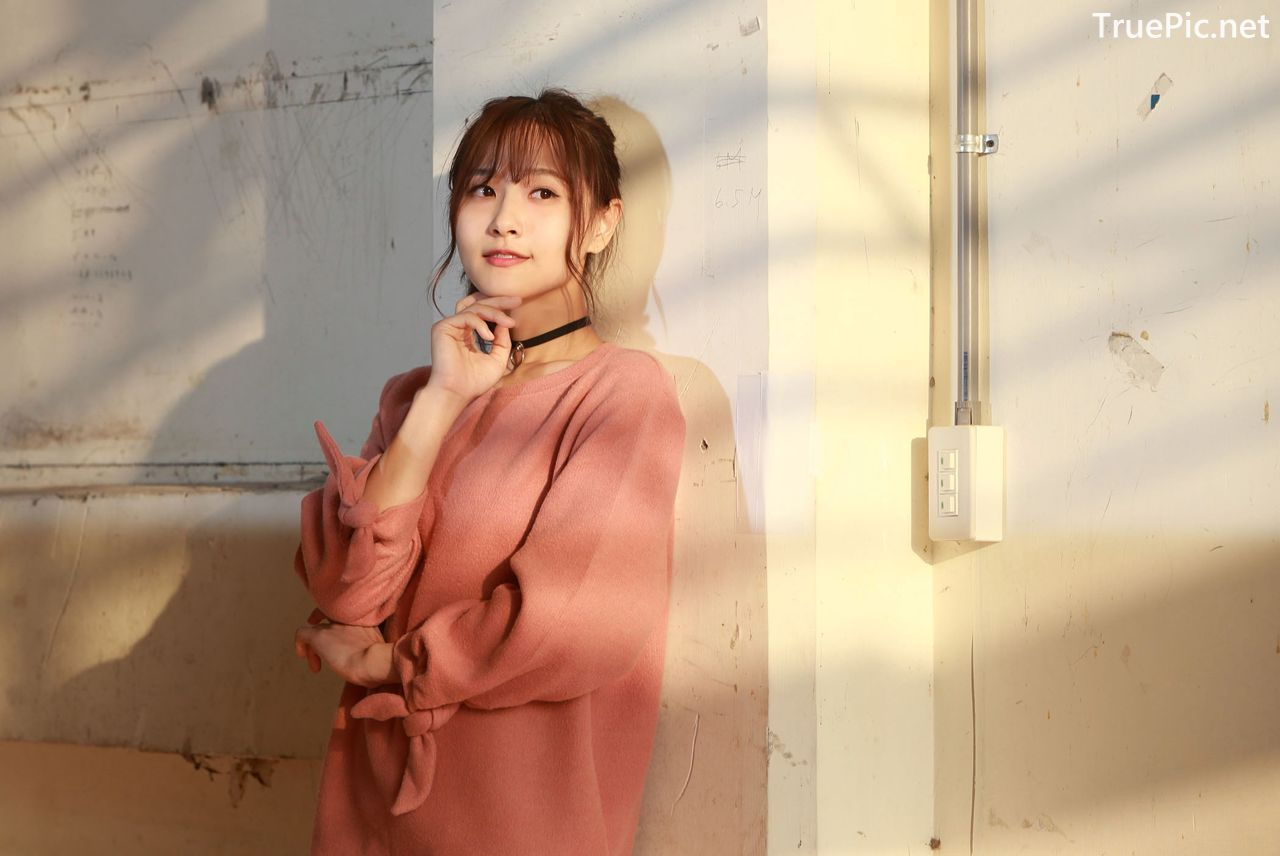 Image-Taiwanese-Model-郭思敏-Pure-And-Gorgeous-Girl-In-Pink-Sweater-Dress-TruePic.net- Picture-1