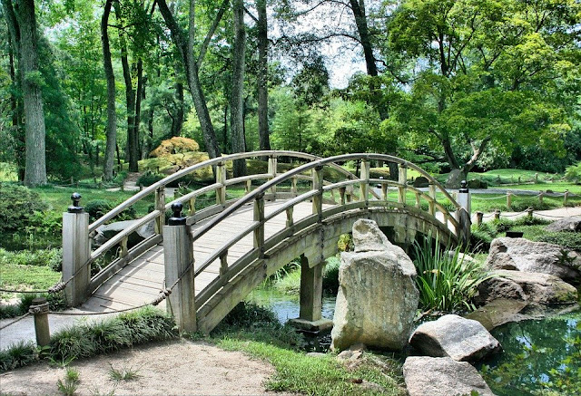 ponticello in legno-legno-ponte-giardino
