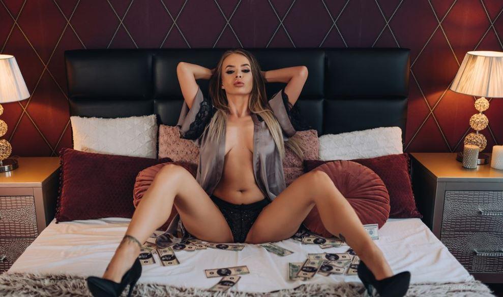 ArinaSerein Model GlamourCams