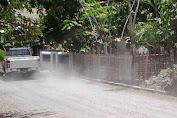 Selain Rusak, Jalan Tien Suharto Juga Berdebu