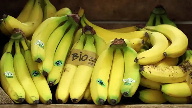 Benefits of eating bananas daily