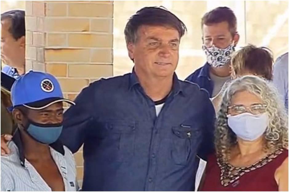 """Bolsonaro confirma prorrogação do auxílio emergencial: """"Vai até dezembro"""""""