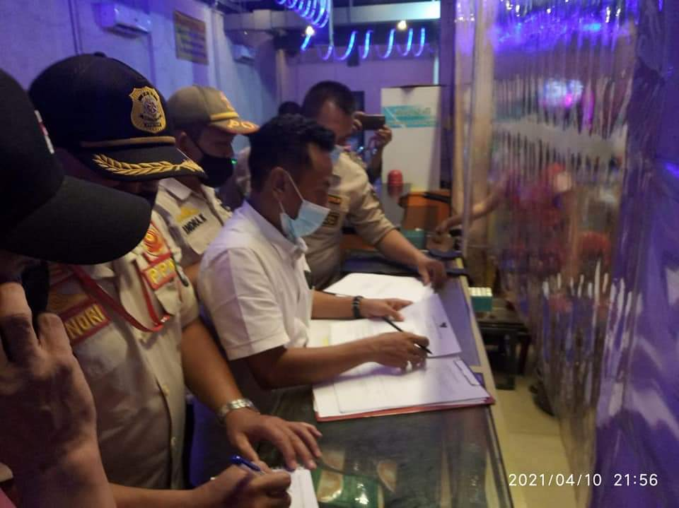 Gelar Rajia Jelang Ramadhan, Tim Gabungan Menemukan Lima Kafe Menjual Alkohol