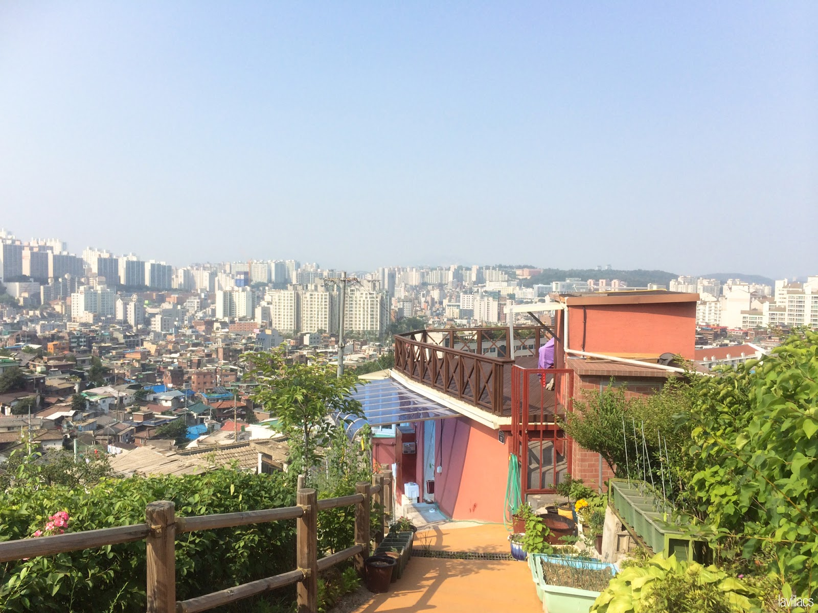 Seoul, Korea - Summer Study Abroad 2014 - Seoul Fortress Trail - Naksan Trail Course - Path to nearby homes