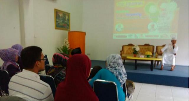 Das'ad Latif Jadi Pembicara di Seminar Parenting