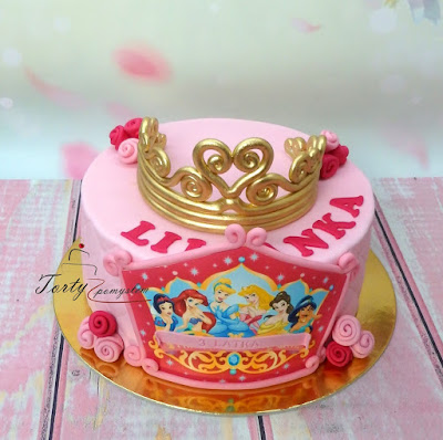 tort z korona