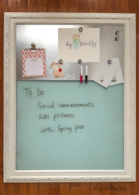 DIY dry erase memo board for the home. Find the tutorial at diy beautify!