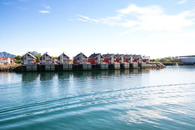 Rorbuer a Svolvaer-Isole Lofoten