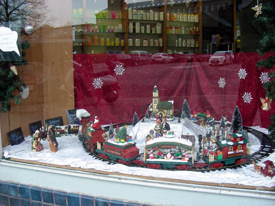 Produktesein Weihnachtsdeko schaufenster apotheke