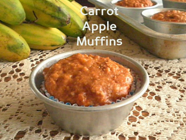 Carrot Apple Muffin Recipe @ http://treatntrick.blogspot.com