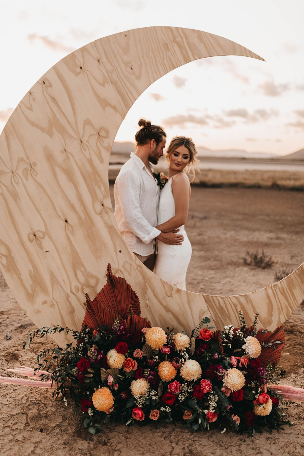 STYLED SHOOT: DREAMY BOHEMIAN DESERT ROMANCE EDITORIAL | LOVE YOU TO THE MOON + BACK TOWNSVILLE QLD