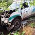 Ambulância de Campo Largo com pacientes sai da estrada e bate em árvores