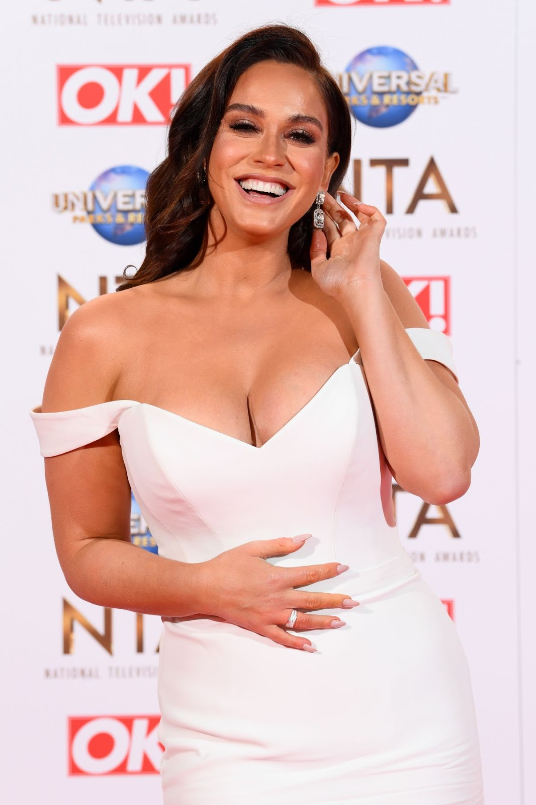 Vicky Pattison Looks Hot in White Outfit
