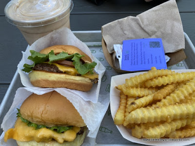 lunch tray at Shake Shack in San Francisco, California