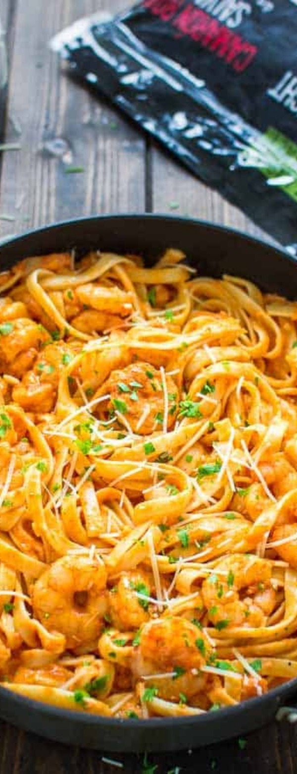 Shrimp Fettuccine with Roasted Pepper Sauce #lowcab #shrimp #shrimprecipe #pasta #fettuccine #weightwactcher