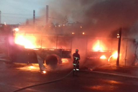 حريق مهول بأحد مستودعات النقل الحضري بمدينة الدار البيضاء القلم
