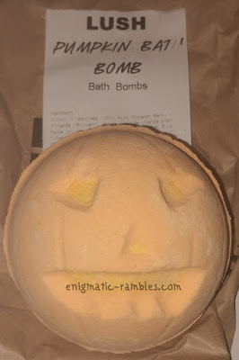 Lush-Review-Pumpkin-Bath-Bomb-Ballastic