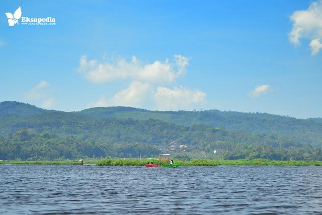 Keliling Danau Rawa Pening