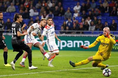 مشاهدة مباراة ليون ونيم أولمبيك بث مباشر اليوم من الدوري الفرنسي