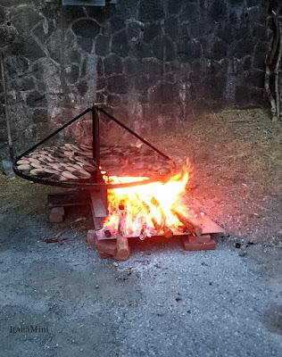 Podgrzewanie form nad ogniskiem