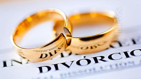 possibilidade divorcio extrajudicial filho menor direito