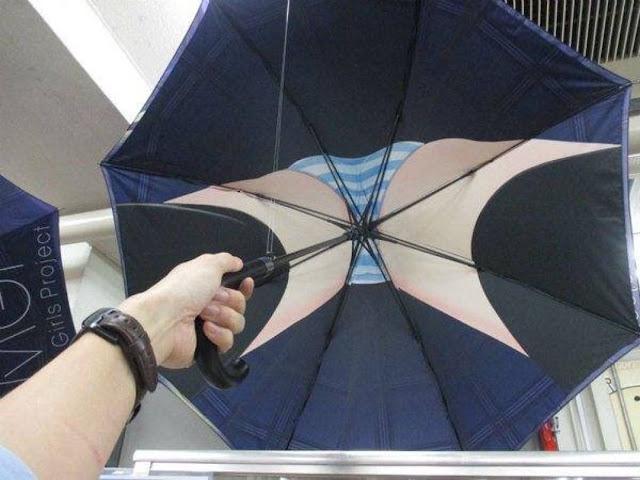 Mengintip Celana Dalam Wanita Kini Menjadi Semudah Membuka Payung