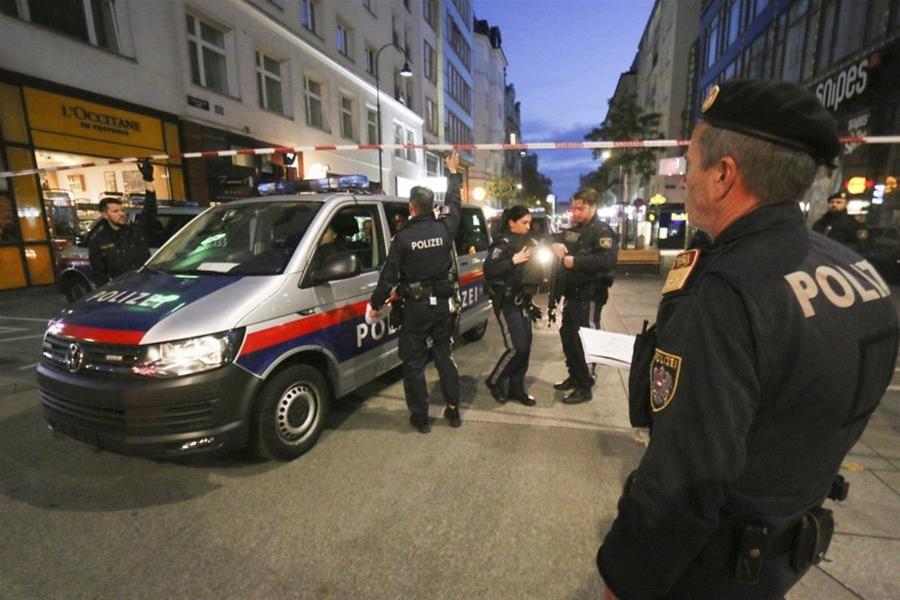 Ο μακελάρης της Βιέννης φέρεται να είχε διοργανώσει συνάντηση τζιχαντιστών