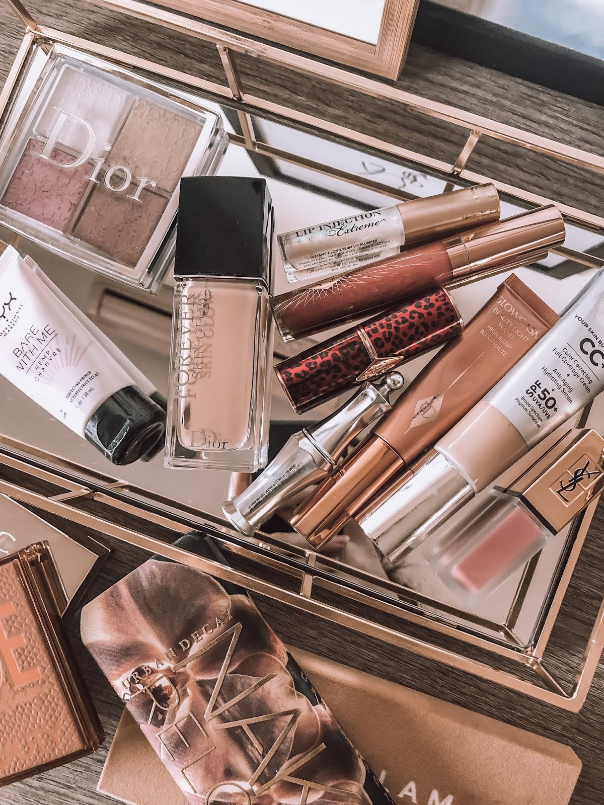 2019 beauty favorites, charlotte tilbury, dior, it cosmetics, abh, becca, huda,