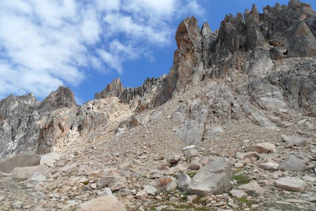 Trekking no CERRO CATEDRAL, não é fácil mais é deslumbrante | Argentina