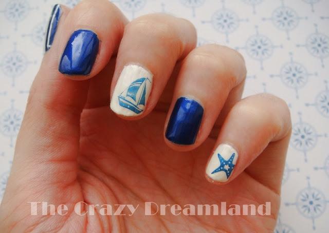 navy-nail-art