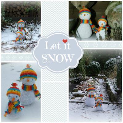 gehaakte sneeuwpopjes in de sneeuw