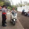 Personil Polsek Marbo Tetap Aktif Di Lapangan di Hari Libur