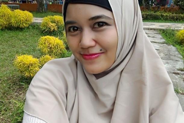 Cindy Pravitri, Awalnya Jadi Muslim karena Ingin Permalukan Keluarga, Akhirnya Istiqmah Dan Lewat Dirinya Hidayah Juga Jadi Mualaf