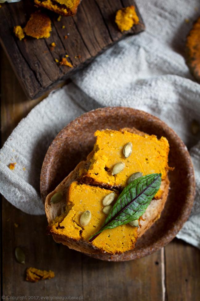 pasztet z dyni i czerwonej soczewicy z dodatkiem curry