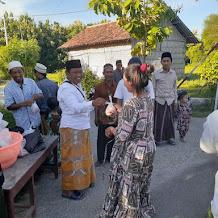 Berkah Ramadhan, Pemdes Alang Malang Laksanakan Bagi-Bagi Takjil